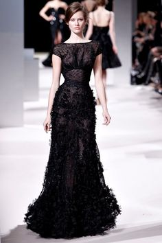 Black never looked so good, Elie Saab