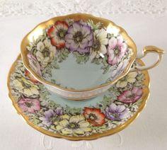 Stunning Poppies Paragon china tea cup and saucer. China Cups And Saucers, Teapots And Cups, China Tea Cups, Vintage Cups, Vintage China, My Cup Of Tea, Tea Service, Kraut, Tea Cup Saucer