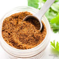 Gluten-Free Keto Low Carb Taco Seasoning Recipe - An easy recipe for how to make homemade gluten-free taco seasoning mix! This keto low carb taco seasoning recipe uses simple ingredients you can find at any store. Cajun Seasoning Mix Recipe, Gluten Free Taco Seasoning, Homemade Taco Seasoning Mix, Seasoning Mixes, Italian Seasoning, Fajita Seasoning, Low Carb Taco Soup, Low Carb Tacos, Mini Pizzas
