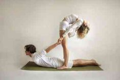 Practicing yoga is not simple. It can get better for yourself if you can find a partner yoga poses for beginners. Couples Yoga Poses, Partner Yoga Poses, Two Person Yoga Poses, Group Yoga Poses, Yoga Poses For Two, Cool Yoga Poses, Ashtanga Yoga, Yoga Inspiration, Yoga Fitness