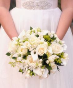 Aprenda cómo hacer ramos de novias y ahorre dinero