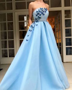 Shop long prom dresses and formal gowns for prom 2019 at Kemedress. Prom ball gowns, long evening dresses, mermaid prom dresses, long dresses for prom,body type & fashion sense. Check out selection and find the prom dress of your dreams! Sparkly Prom Dresses, Prom Dresses For Sale, A Line Prom Dresses, Tulle Prom Dress, Strapless Dress Formal, Evening Dresses, Dress Party, Bridesmaid Dresses, Formal Dresses