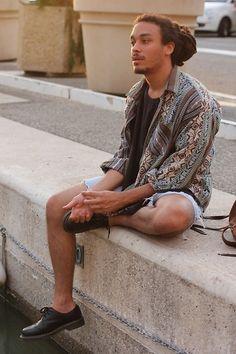 シャツコーディネート特集!海外メンズファッションスナップ | Q ration(キューレーション) | QUAEL bags | クアエル