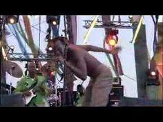 "Seun Kuti & Egypt 80 in Dakar ""MOSQUITO SONG"""
