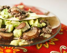 Beef, mushroom, avocado tacos, sounds perfectly delightful to me, i love mushrooms and avocados so to put them together is devine! I will be trying this very very soon