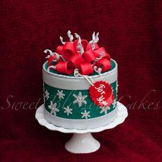 Christmas - A gift box cake.
