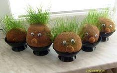 Travňáci místo osení.Také jaro co říkáte Capes For Kids, Small Plants, Spring Crafts, Kids Education, Art School, Spring Time, Art For Kids, Marie, Planter Pots