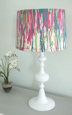 Simple and Creative Tricks Can Change Your Life: Hanging Lamp Shades Offices cool lamp shades kitchens.Repurposed Lamp Shades Old Books lamp shades gold. Old Lamp Shades, Painting Lamp Shades, Painting Lamps, Spray Painting, Spray Paint Lamps, Diy Home Decor, Room Decor, Lamp Makeover, Old Lamps