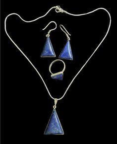 Trzyczęściowy komplet biżuterii trójkąty.