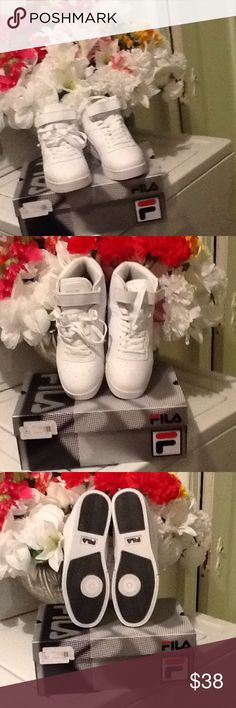 ADORABLE NWOT SYNTHETIC UPPER, LINING🌺💐🌺 VERY ADORABLE SYNTHETIC UPPER, LINING AND SOCK TEXTILE OUTSOLE TPR 👔👖👞💼 Fila Shoes Sneakers