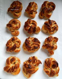 Pepi's kitchen in english: Kanelsnurrer - Norwegian Cinnamon Rolls with Cardamom