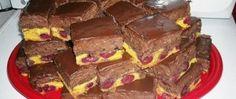 Krémové čokoládové kostky s třešněmi Sweet Cakes, Nutella, Sweet Recipes, Smoothies, Sweet Tooth, Cheesecake, Food And Drink, Cooking Recipes, Sweets