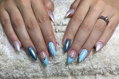 Gel nails for my lovely sister in law @tatyplaza  using @vetro_usa @vetro_international  gels @aoranails silver chrome & swarovski crystals #thenailsroom #uñas #uñasengel #uñasdecoradas #nails #gel #vetro #nailsoftheday #nailsmagazine #nailprodigy #nailpro #nailsofinstagram #dainty #cute #pretty #bluenails #abstract #handpaintednailart #vetrogel #gelnails #nailart #marbeled #swarovski #almondnails #pearled #chrome