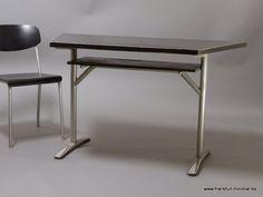 Ferdinand Kramer-  2-Säulen-Tisch, Trapezform mit Linoleum-Tischplatte