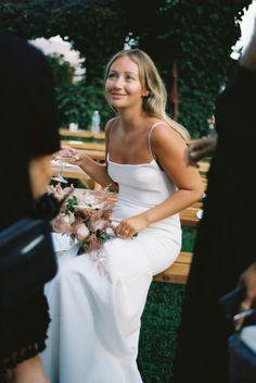 Hair Comb Wedding, Headpiece Wedding, Wedding Hair Pieces, Bridal Hair, Wedding Pics, Wedding Bells, Dream Wedding, Wedding Attire, Wedding Dresses