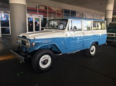 Insanely beautiful FJ-45LV at SEMA 2016. This restoration was done by FJ Company out of Florida. Their first year at SEMA. #iwant #4x4 #classic #4wdto #outback #blue #goodmorning #fj45 #fj40 #fj60 #fj55 #landcruiser http://ift.tt/2fvs3Zm
