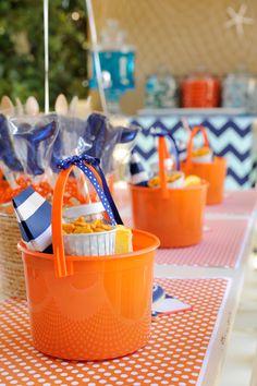 lunch buckets from @happywishcompany #thepartydressmagazine
