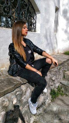 #memyselfandi #girl #relax #sun #ombre #hair #love #outfit #summer #haircolour #me #inspiration #black