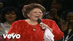 God Bless America [Live]...50 Plus Videos from Gaither Homecoming Friends