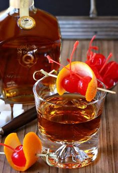 Try this Gran Añejo Old Fashioned for an easy sipping cocktail that doesn't take a lot of preparation. Just quality rum and a few simple ingredients! Aquavit Cocktails, Easy Cocktails, Cocktail Recipes, Cocktail Shots, Cocktail Garnish, Refreshing Drinks, Yummy Drinks, Old Fashioned Drink, Lobster Recipes