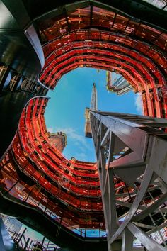 Heatherwick's Copper 'Vessel' Tops Out at New York's Hudson Yards | ArchDaily #NYC #Staircase