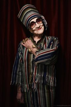 Rest in Peace Zelda Kaplan Baba Yaga, Stylish Older Women, Old Folks, Triple Goddess, Older Models, New York Art, Photographs Of People, Advanced Style, Aging Gracefully