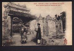 INDOCHINE ANNAM Hué le président du conseil de la famille royale costume de cour