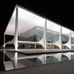 night shot of a building designed by late Brazilian architect Oscar Niemeyer in Brasília by New York photographer Andrew Prokos: