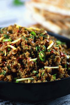 Meat Qeema Authentic Indian Minced Meat Qeema - This authentic Indian minced meat Qeema recipe is so delicious, it'll become a regular at your house! And nothing's better than the fact that you make it within 20 minutes! Healthy Recipes, Healthy Eating Tips, Meat Recipes, Asian Recipes, Cooking Recipes, Recipes With Lamb Mince, East Indian Food Recipes, Rice Recipes, Gastronomia