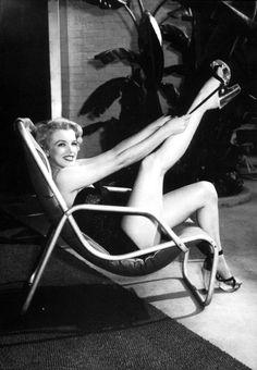 Marilyn Monroe by Frank Worth.