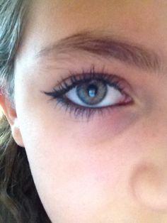 very fine cat eye w/waterline rimmed