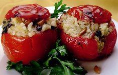 I pomodori ripieni di riso al microonde non hanno nulla da invidiare alla versione tradizionale, si preparano svuotando prima i pomodori della polpa ...