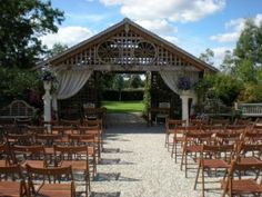 Outdoor Weddings In Essex At Maidens Barn