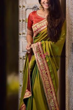 Buy exquisitely handcrafted chariot chiffon Saree online for Women at Studio Ayana. Contemporary designs at best prices only at Studio Ayana. Blouse Designs Silk, Bridal Blouse Designs, Pakistani Outfits, Indian Outfits, Saree Dress, Chiffon Saree, Fancy Sarees, Western Dresses, Clothing Patterns