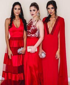 Vestido de festa vermelho para formanda, madrinha de casamento e convidada Walpaper Black, Video Wall, Eye Photography, Bridesmaid Dresses, Wedding Dresses, Cute Food, Ideias Fashion, Party Dress, Formal Dresses
