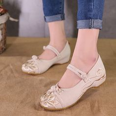 87badff6345 Hot-sale Old Beijing Comfortable Casual Shoes Embroidered Splicing Flat  Loafers For Women