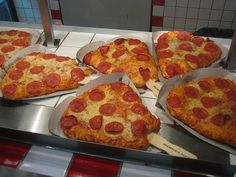 @Jennifer Davie @Nicky Pullen did we eat pizza on a stick at the minnesota state fair?