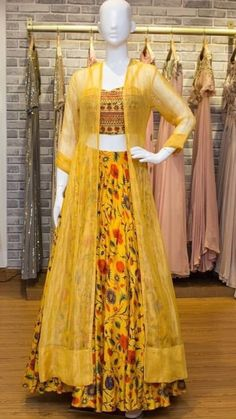 Best Trendy Outfits Part 39 Indian Fashion Dresses, Dress Indian Style, Indian Gowns, Indian Designer Outfits, Indian Attire, Pakistani Dresses, Indian Outfits, Designer Dresses, Fashion Outfits