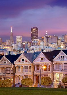 Amazing U.S. Sights You Should Visit Before You Die Read the top 10 things to do in San Francisco, and why San Francisco is one of the most unique cities in the United States. - Avenly Lane Travel