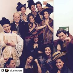 with the cast The Toi Toi Toi Picture for the cast at the lovely Theater, Musicals, How To Look Better, It Cast, Instagram Posts, Movies, Movie Posters, Pictures, Photos