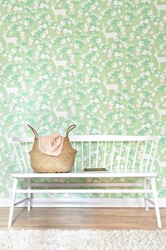 From the blossom to the ripe fruit beloved by animals, this Majvillan pattern wallpaper joins the dots of the natural cycle. The unusual colour sch.