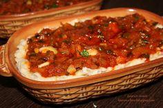 Fasole batuta cu ceapa verde si patrunjel Romanian Food, Chili, Foodies, Vegetarian Recipes, Soup, Cupcakes, Yummy Food, Favorite Recipes, Drink