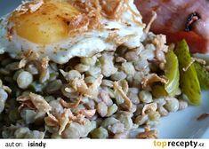 Sladkokyselá čočka s uzeným a volským okem recept - TopRecepty.cz Eggs, Breakfast, Recipes, Food, Morning Coffee, Essen, Egg, Meals, Eten