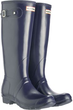 A pair of navy rain boots would be great for today. #RainRainGoAway