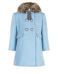 Say hello to cold weather with our Bella wool-blend boucle coat for girls, designed with a faux fur collar, a velvet bow and burnished metal button fastenings. This cosy piece is fully lined for comfort, and is finished with side pocket details.