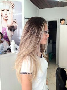 I'd do this but blonde a little down further. Looks like roots just have grown out.