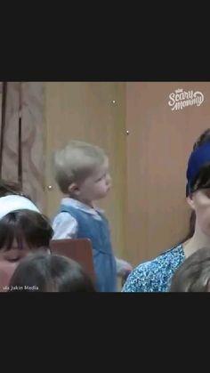 Funny Jokes, Funny Stuff, Cute Funny Babies, Disney Frozen Elsa, Funny Short Videos, Haha, Entertaining, Bernese Mountain