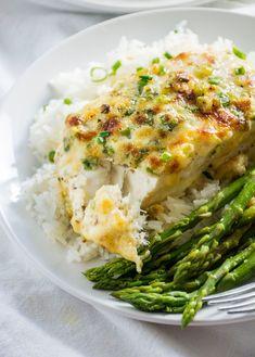 Garlic and Parmesan Halibut Fish Dishes, Seafood Dishes, Fish And Seafood, Seafood Recipes, Pasta Recipes, Cooking Recipes, Healthy Recipes, Main Dishes, Keto Recipes