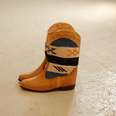 Kilim boots for the summer!!