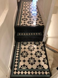 We specialise in Victorian Hallway Tiles and we offer an expert services in sorcing and laying traditional Victorian floor tiles hallway Victorian Tiles Bathroom, Victorian Mosaic Tile, Tiled Hallway, Hallway Flooring, Hallway Designs, Hallway Ideas, Tiles London, Hallway Inspiration, Edwardian House